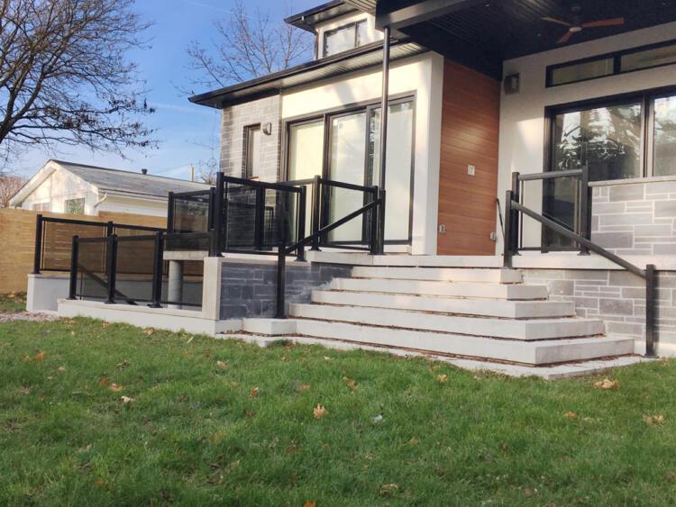 Glass railing backyard copy